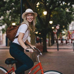 Weelo tours with e-bike and e-scooter