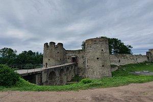 Капорская крепость,музей в  Ленинградской области. Проводят экскурсии, очень познавательно.