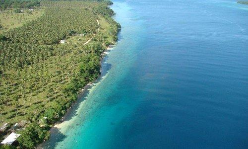 The coast line of Lapita Plantation Aore Island