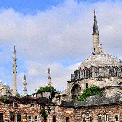מסגד רוסטס פאשה