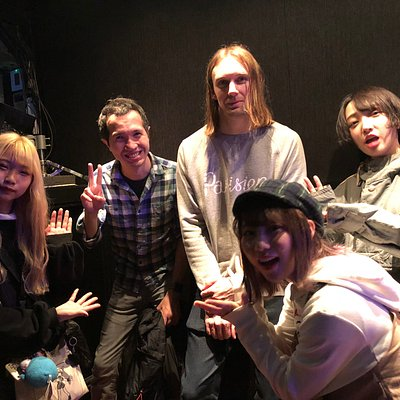 Girls metalcore band HANABIE with UK,USA fans