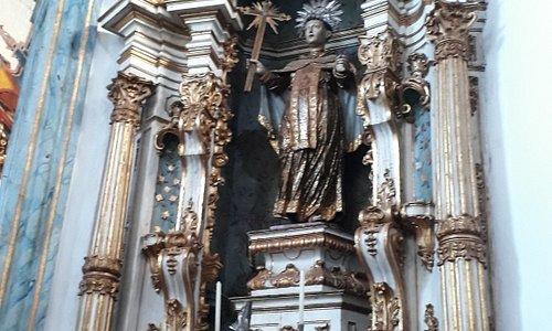 Retábulo de São João da Cruz, imagem de Aleijadinho e entalhe do altar de Francisco Vieira Servas
