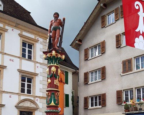 Fontaine du Sauvage à Delémont (devant le Musée Jurassien) - Restauration terminée en été 2018.