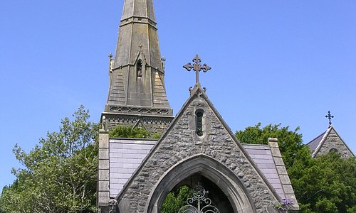 Entrance to St. Twrog's Church (Llandwrog)