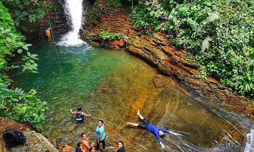 Conoce hermosas cascadas en el Tour La Ruta del agua 2 en Lago Agrio , escribenos +593985160675  https://www.facebook.com/LAGOADVENTURESUCUMBIOSECUADOR/