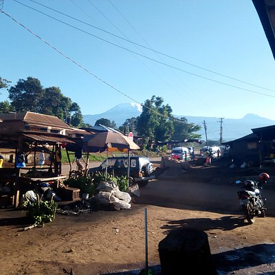 Local Market, Moshi