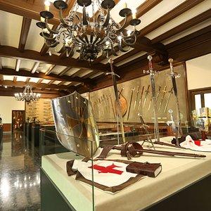 La más completa exposición de espadas fabricadas en Toledo.