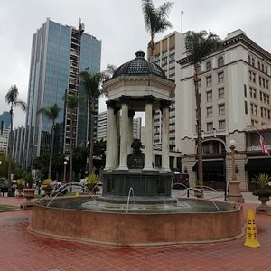Linda Plaza