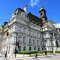 Le magnifique Hôtel de Ville de Montréal