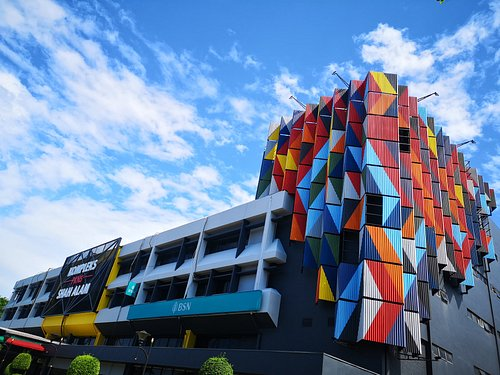 New facade painting of Kompleks PKNS Shah Alam