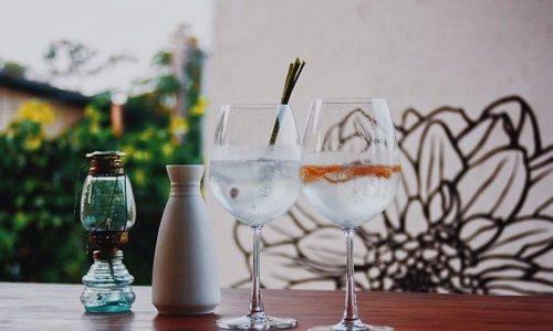 G'vine gin with Fever-tree elderflower tonic and lemongrass garnish Fords gin with East Imperial Grapefruit tonic and orange zest garnish