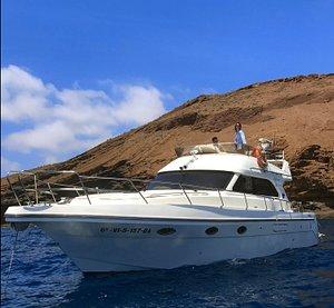 Este es nuestro barco: Pepez1. Es el lugar desde el cual se realizan todas las actividades y que aporta el lujo y la comodidad a nuestro centro.