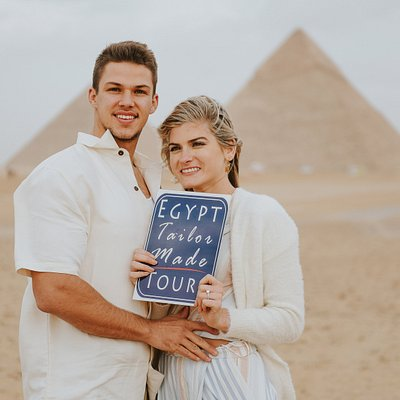 A Lovely Couple Proposal in front of the Pyramids