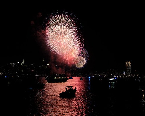 4th of July Fireworks view from the Timeless by Empire Cruises