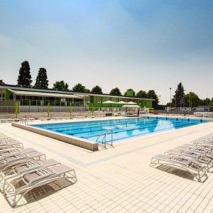La piscina di Momy Sport Village