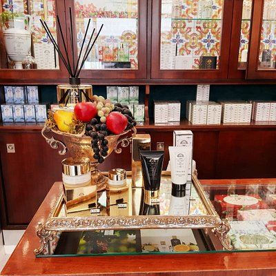 Interni - Acqua del Garda - Peschiera del Garda Flagship Store