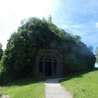 FONTANGES Chapelle Monolithe Saint Michel