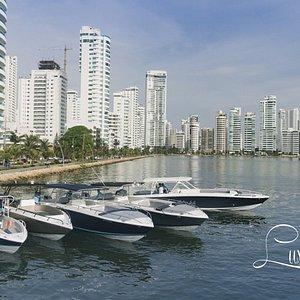 Los mejores botes de lujo en la ciudad, pensados en ti!