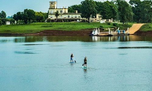 Itaqui - Rs , Rio Uruguai, do outro lado  Aduana Argentina na cidade de Alvear