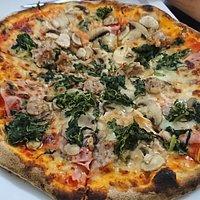 pizza funghi salsicia ramon