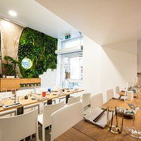 Notre sushi bar intimiste. Local. Eco. Bio.