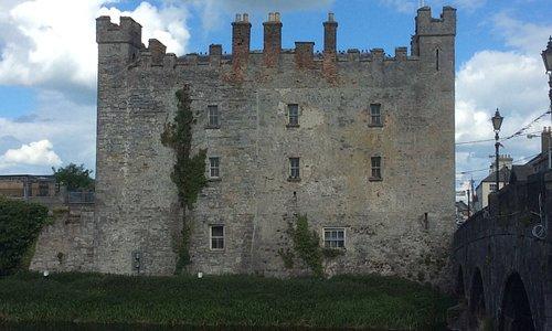 Whites Castle and bridge