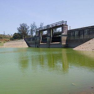 Kamaraj Sagar Dam, Concluding scenes of the famous Maniratnam film 'Roja' were shot here.