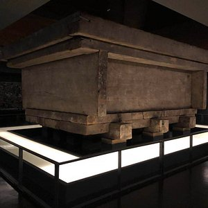 The tomb. Hunan Provincial Museum artifact from the tomb of the Marquis of Dai, Li Can, from the Mawangdui Han Dynasty.