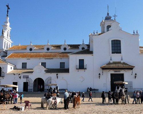 Blick vom Mirador de las Marismas  auf die Kirche von El Rocio