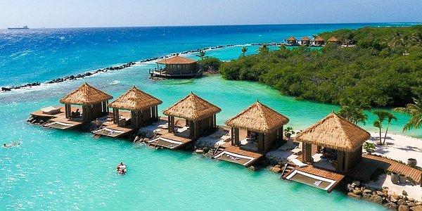 Renaissance Island Cabana's