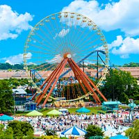 From atop Kentucky Kingdom's classic Giant Wheel, 150 feet up, you'll enjoy one of Louisville's most panoramic views, from the downtown skyline to the hilltops of Iroquois Park and beyond.