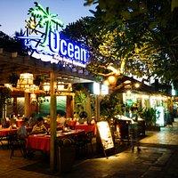 ocean restaurant look