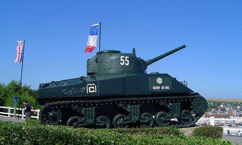 Sherman-stridsvagnen ''Berry Au Bac'' i Arromanches-les-Bains