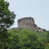 Château Murol vu du parc