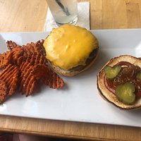 Cheeseburger & sweet potato fries
