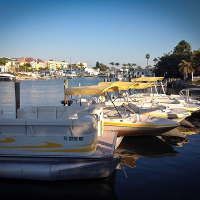 BowRider, Deck Boat or Pontoon - you pick at Treasure Island Boat Rentals