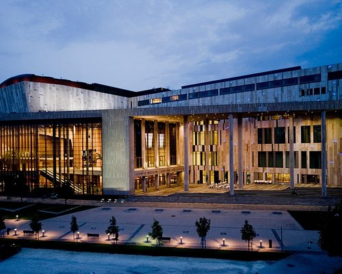 The Ludwig Museum is in the Palace of Arts (Művészetek Palotája) aka MÜPA. The Museum is in the west wing of the bulding, facing the Danube.