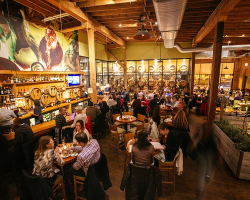 City Winery Chicago's West Loop dining room