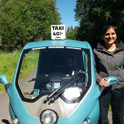 The pod-taxi with it's owner and driver Hanna.
