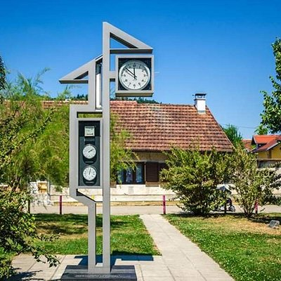 While having a walk in Samobor, get yourself informed about short weather forecast.