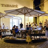 Don Tabaré, le Giostre di tavoli nella piazza del Centro Storico chiusa al traffico
