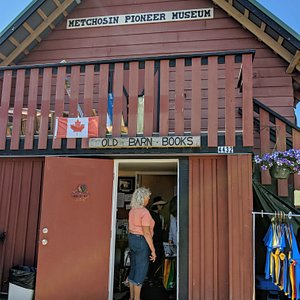 View of the Entrance to the book shop and Pioneer Museum.