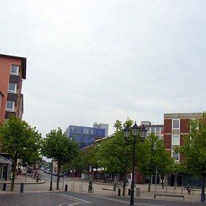Auf dem Theodor Heus Platz.