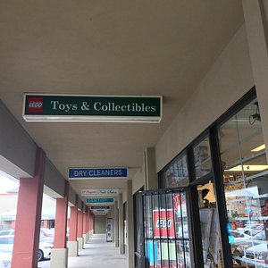 Sign to the store