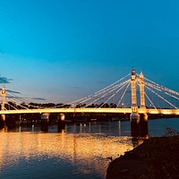 Love Albert Bridge! No wonder is second only to Tower Bridge (when it comes to pictures and movies 😉)