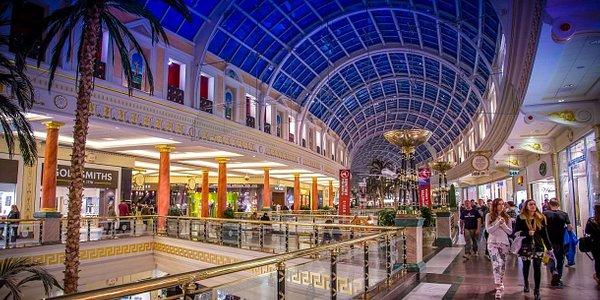 Upper Regent mall