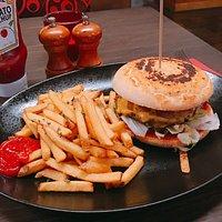 Cheeseburger & Pommes