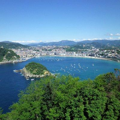 Panorama dalla terrazza panoramica sul monte Igueldo.