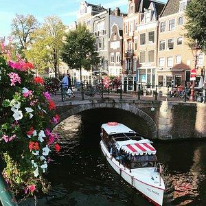 Private canal boat Delphine in Amsterdam