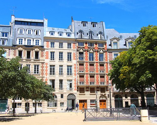 Place Dauphine , les immeubles style Henri IV